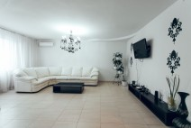 VIP apartment in center Chisinau